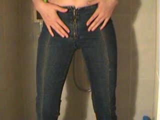 In die Jeans gepisst