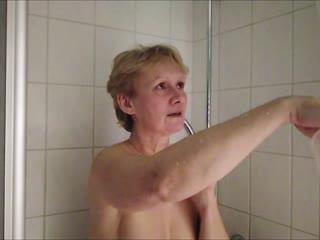 Engelchen duscht