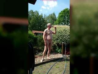 FKK Genuss in fremden Garten