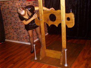 Hier siehst Du meine Fotos zum Thema Sklavenausbildung