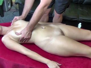 Massage mit Happy End für meine Nachbarin