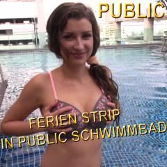 Endlich sommerferien , ich kann machen alles was ich will:)Wie geil xd In dem hotel wo meine klasse war dem dach war schöner schwimmbad.Habe mein  badeanzugangezogen und als nimmand da war habe geil gestript.Veronika hat mich  gefilmt und gecheckt ob wir alleine sind:)