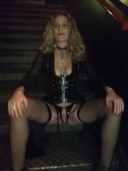Wer begleitet mich in Berlin und hat Spass mit mir im Nachtleben bei schrägen Outdoor Aktionen :-)