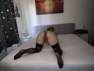 Vicky nackt in sexy Nylons