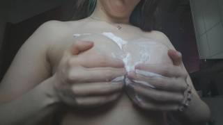 Titten + Cremeschaum