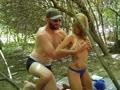 Sex in Wald - durch Gelsenstich...