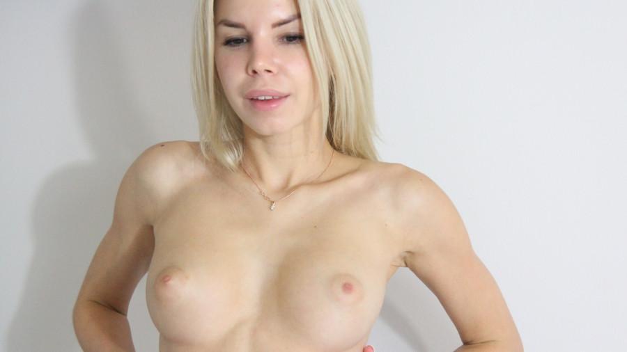 Karoline25